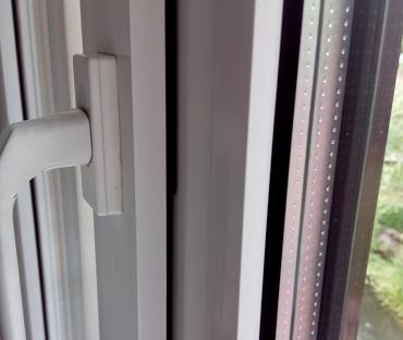 Окно с новой уплотняющей резинкой