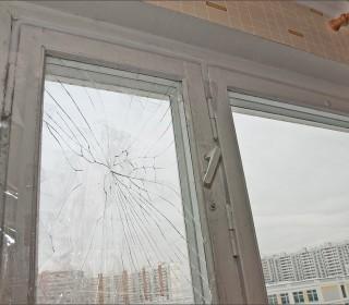 Замена треснутого стекла